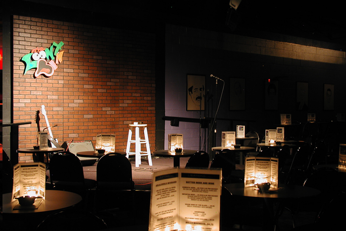Clubs In Little Rock >> Loony Bin Comedy Clubs